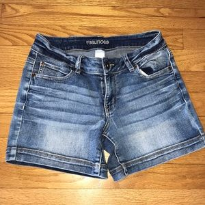Maurices Whiskered Jean Shorts~sz 1/2